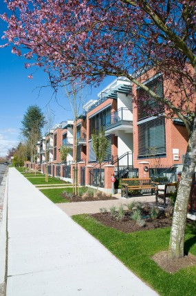 Townhouses - Oakridge neighbourhood
