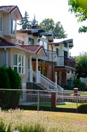 Single detatched homes in Vancouver Fraser neighbourhood