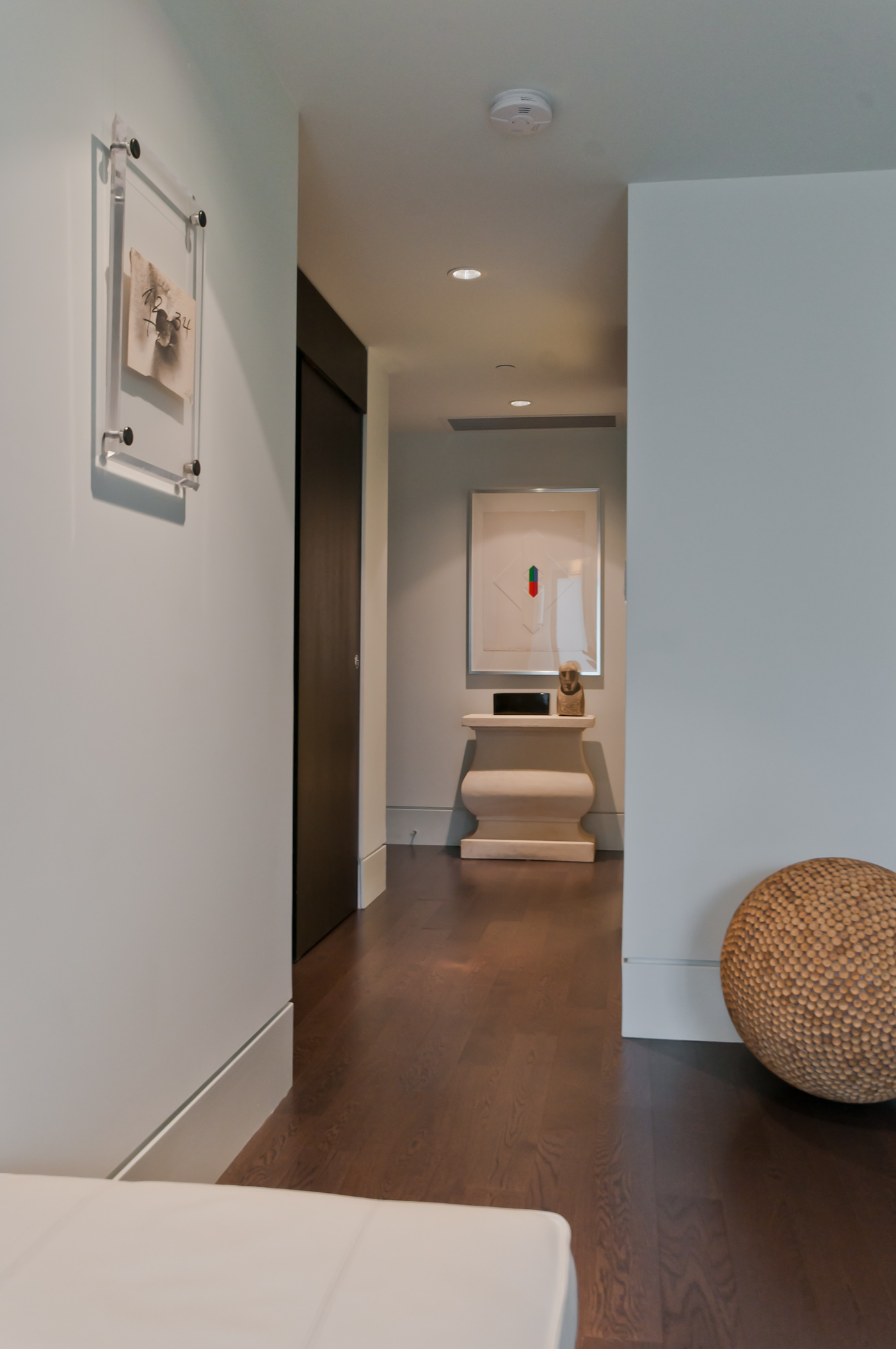 Foyer to building entrance - Yaletown - 1510 Homer Mews, Vancouver, BC, Canada