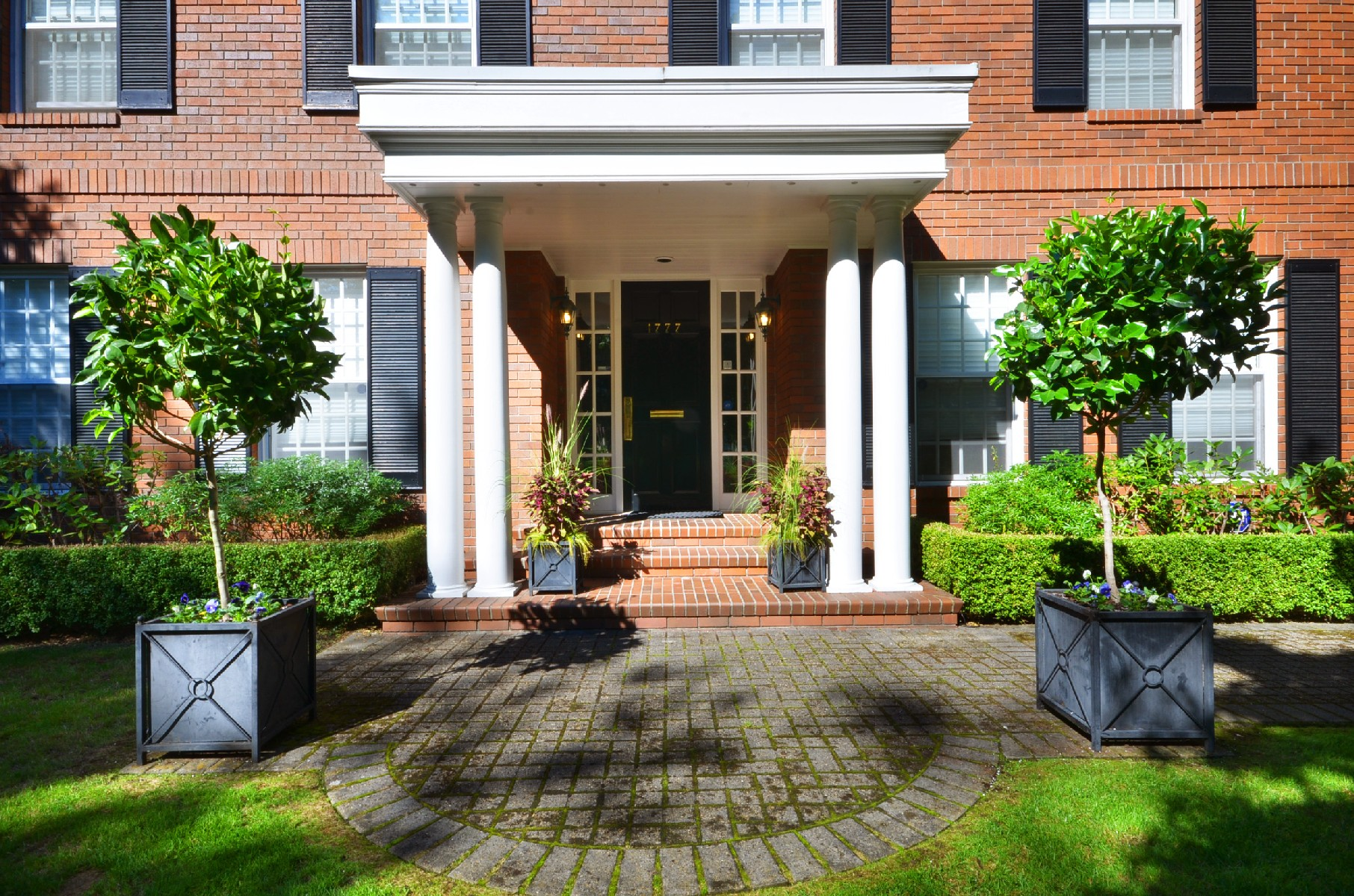Exterior entrance - Shaughnessy - 1777 West 38th Avenue, Vancouver, BC, Canada