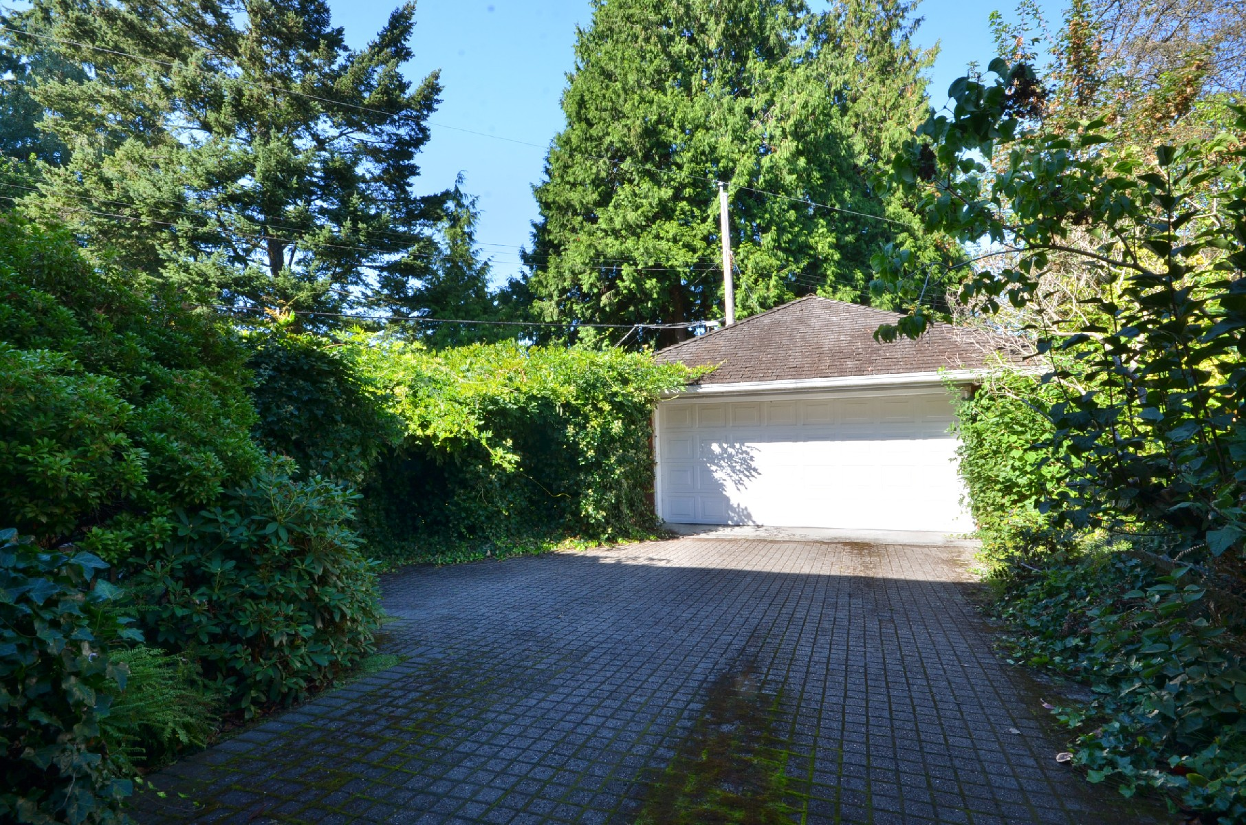 Double car garage - Shaughnessy - 1777 West 38th Avenue, Vancouver, BC, Canada
