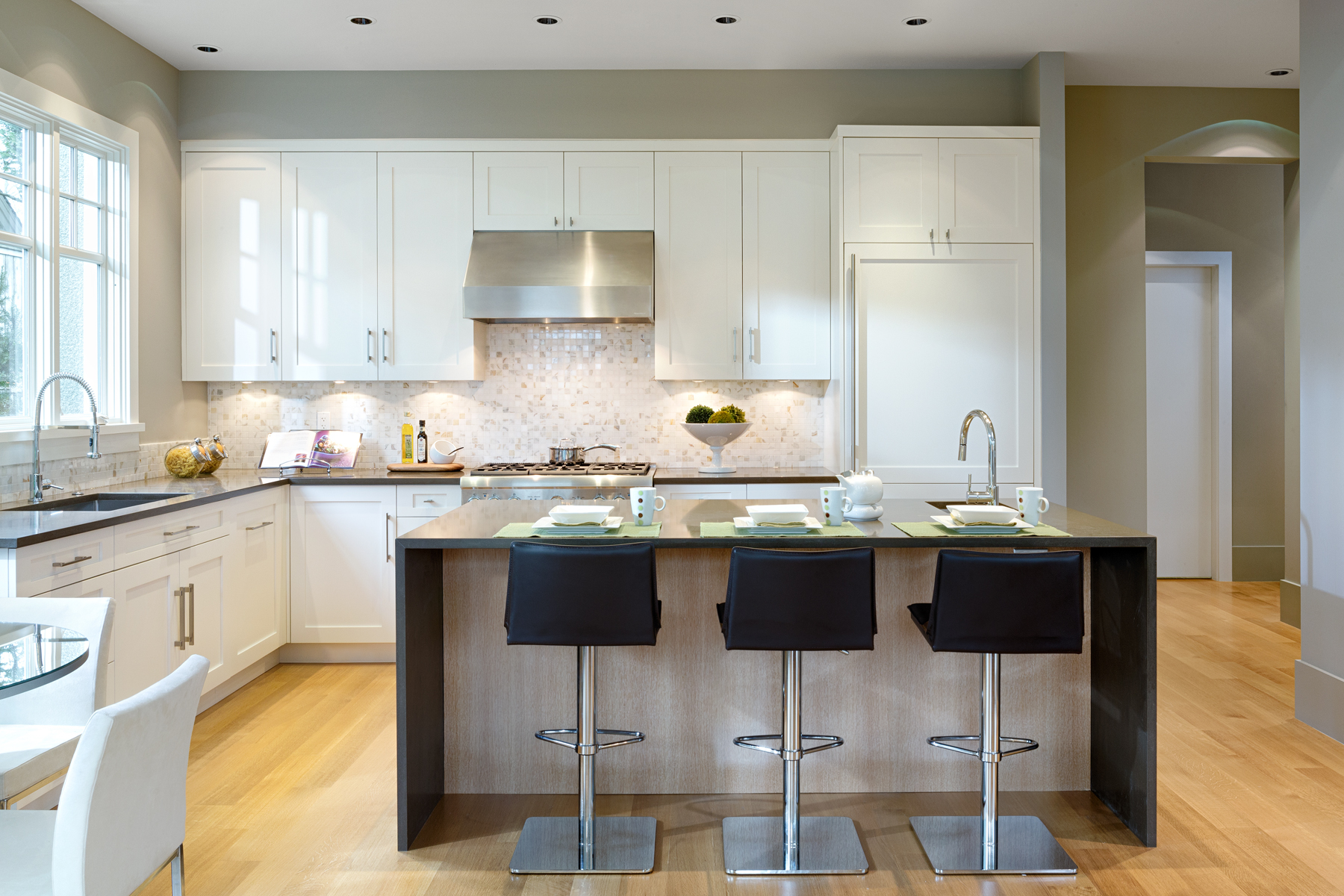 Kitchen - Shaughnessy - 1338 West 15th Avenue, Vancouver, BC, Canada