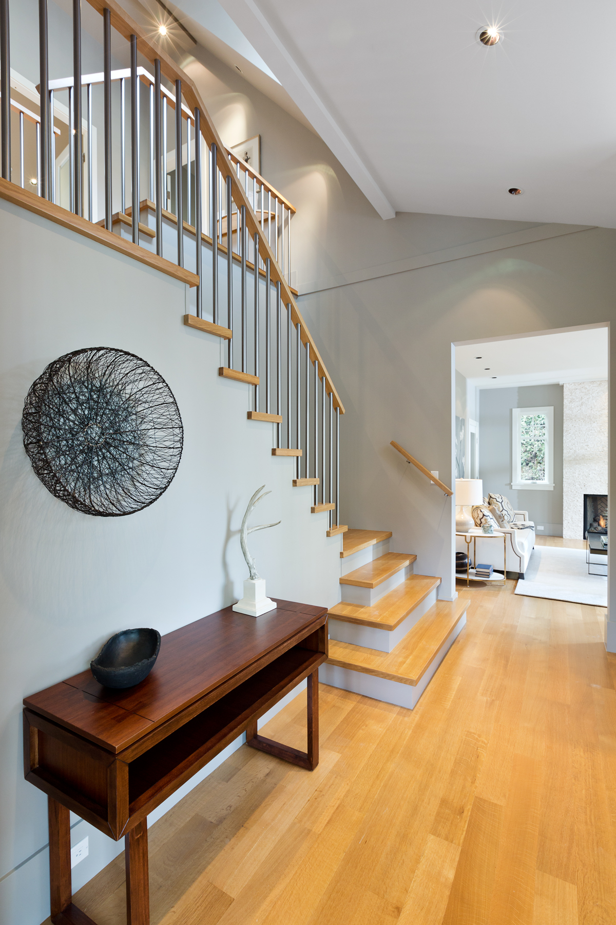 Entrance foyer - Shaughnessy - 1338 West 15th Avenue, Vancouver, BC, Canada
