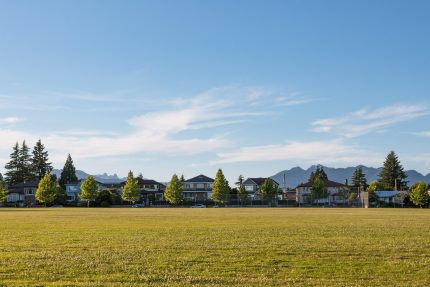 Montgomery Park homes and mountains - South Granville neighbourhood