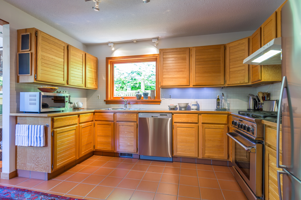 Kitchen - Kitsilano - 3345 West 14th Avenue, Vancouver, BC
