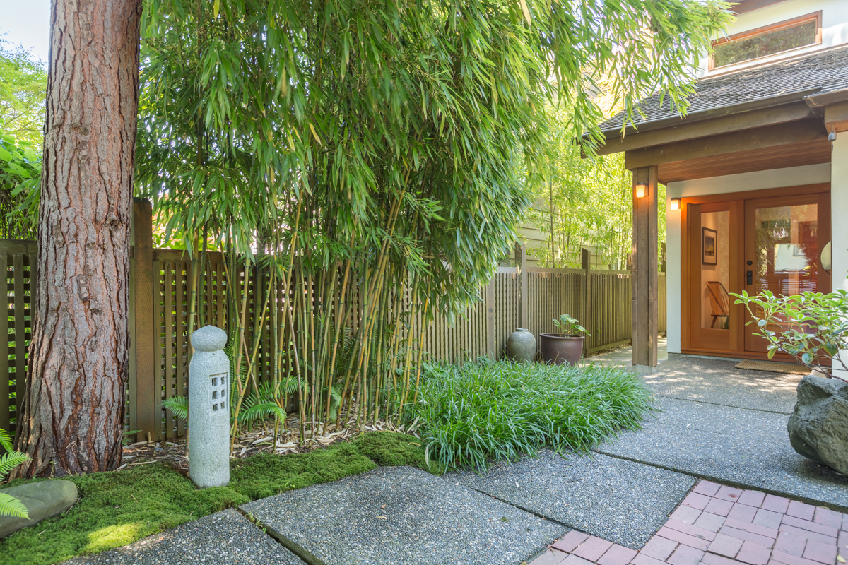 Front walkway - Kitsilano - 3345 West 14th Avenue, Vancouver, BC