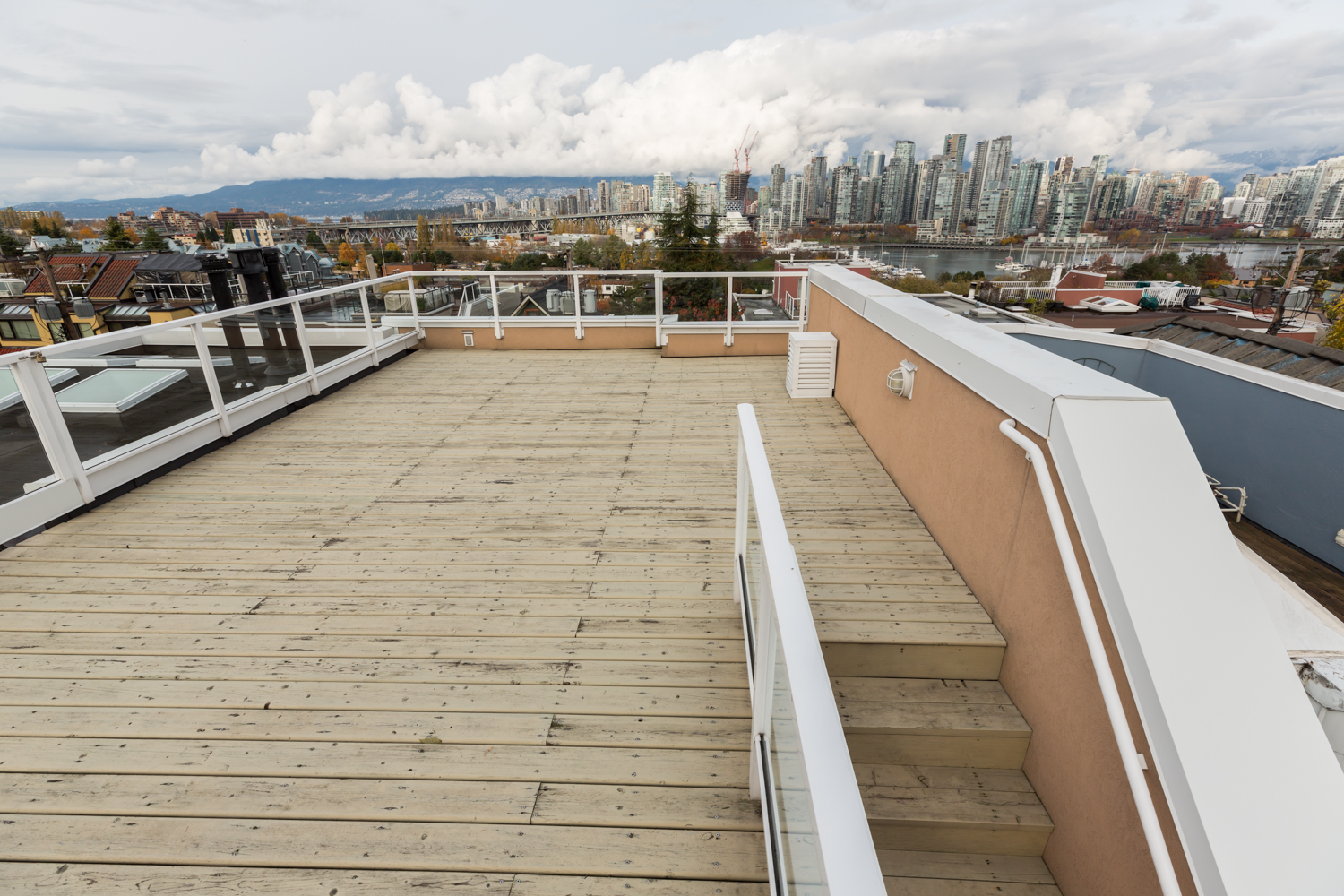 Rooftop Deck - Fairview - 1244 west 7th avenue Vancouver