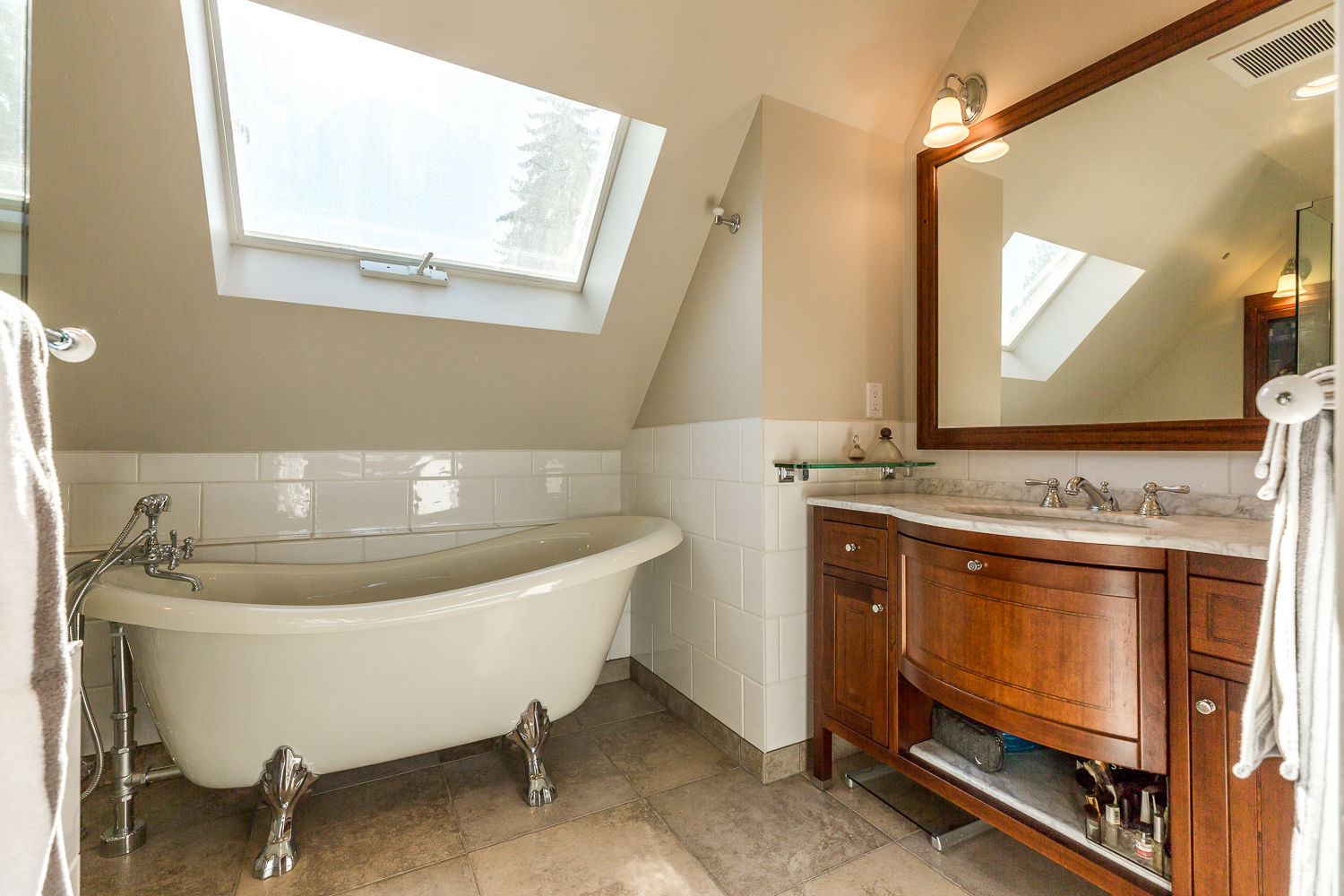 Top Floor Master Suite Ensuite with Claw Foot Tub
