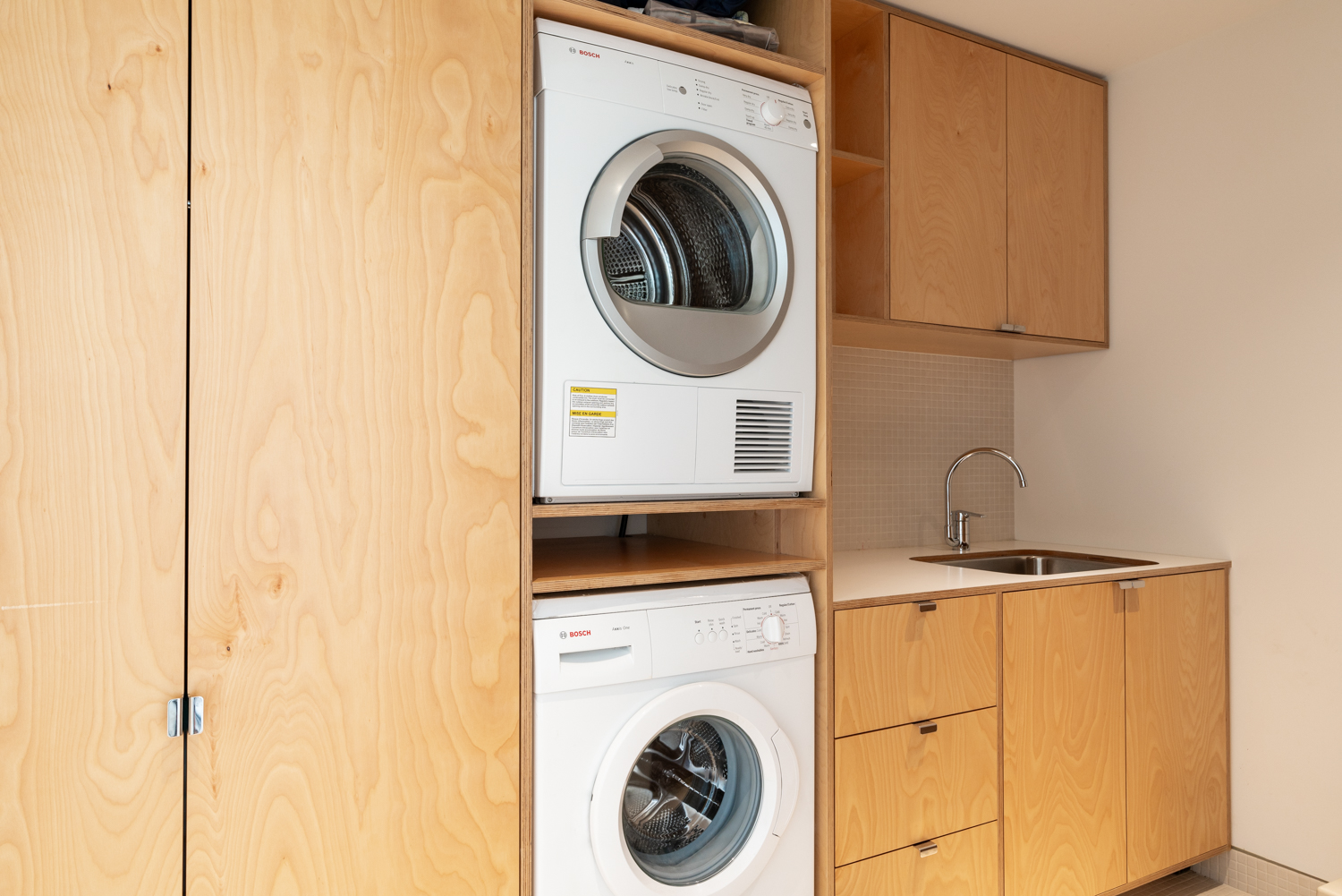 Upper Level Laundry Room - Shaughnessy - 1098 Wolfe Avenue, Vancouver, BC