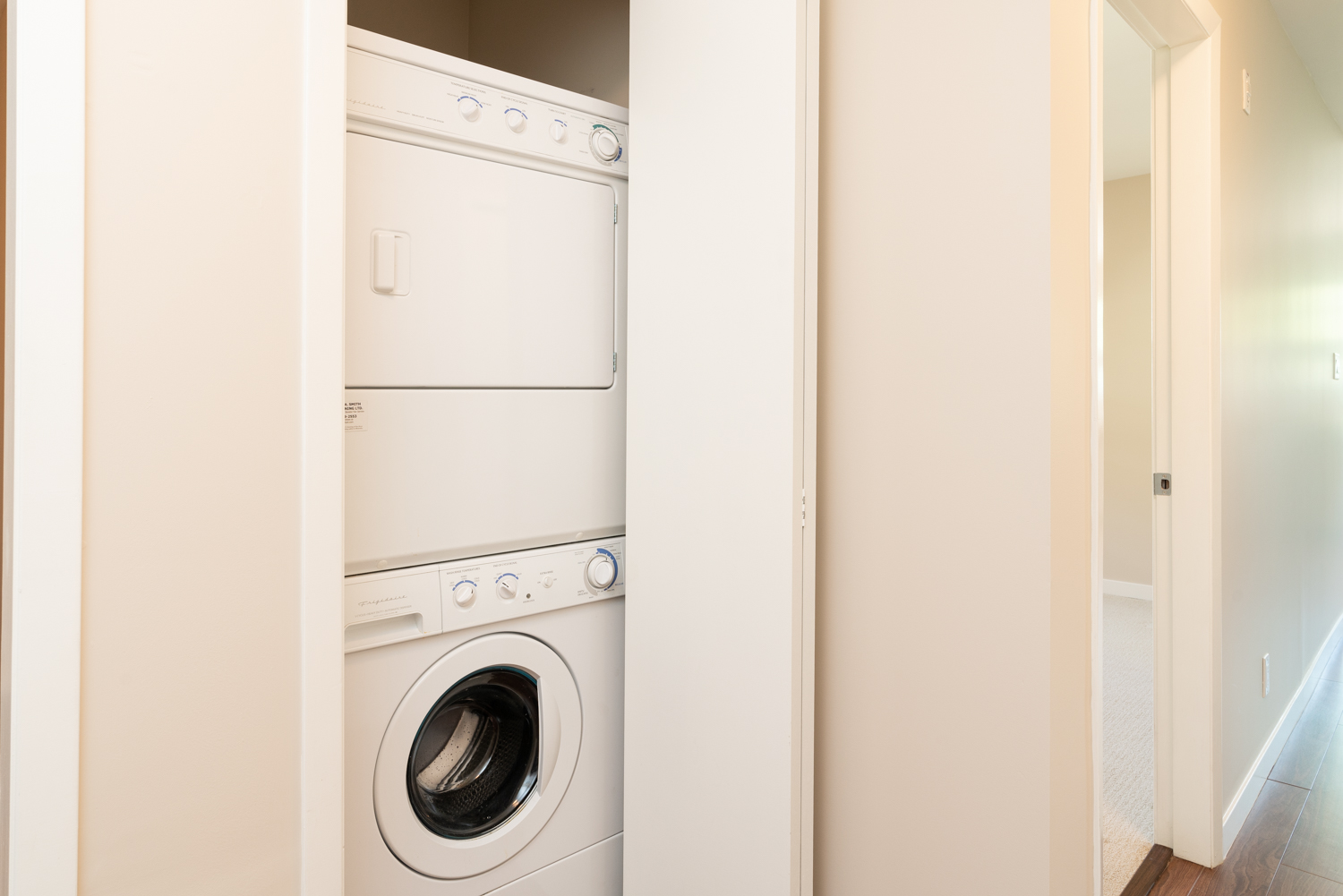 In-Suite Laundry - Cambie - 930 West 16th Avenue, Vancouver, BC