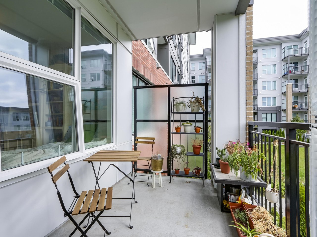 Balcony - West Cambie - 9388 Tomicki Avenue, Richmond, BC, Canada