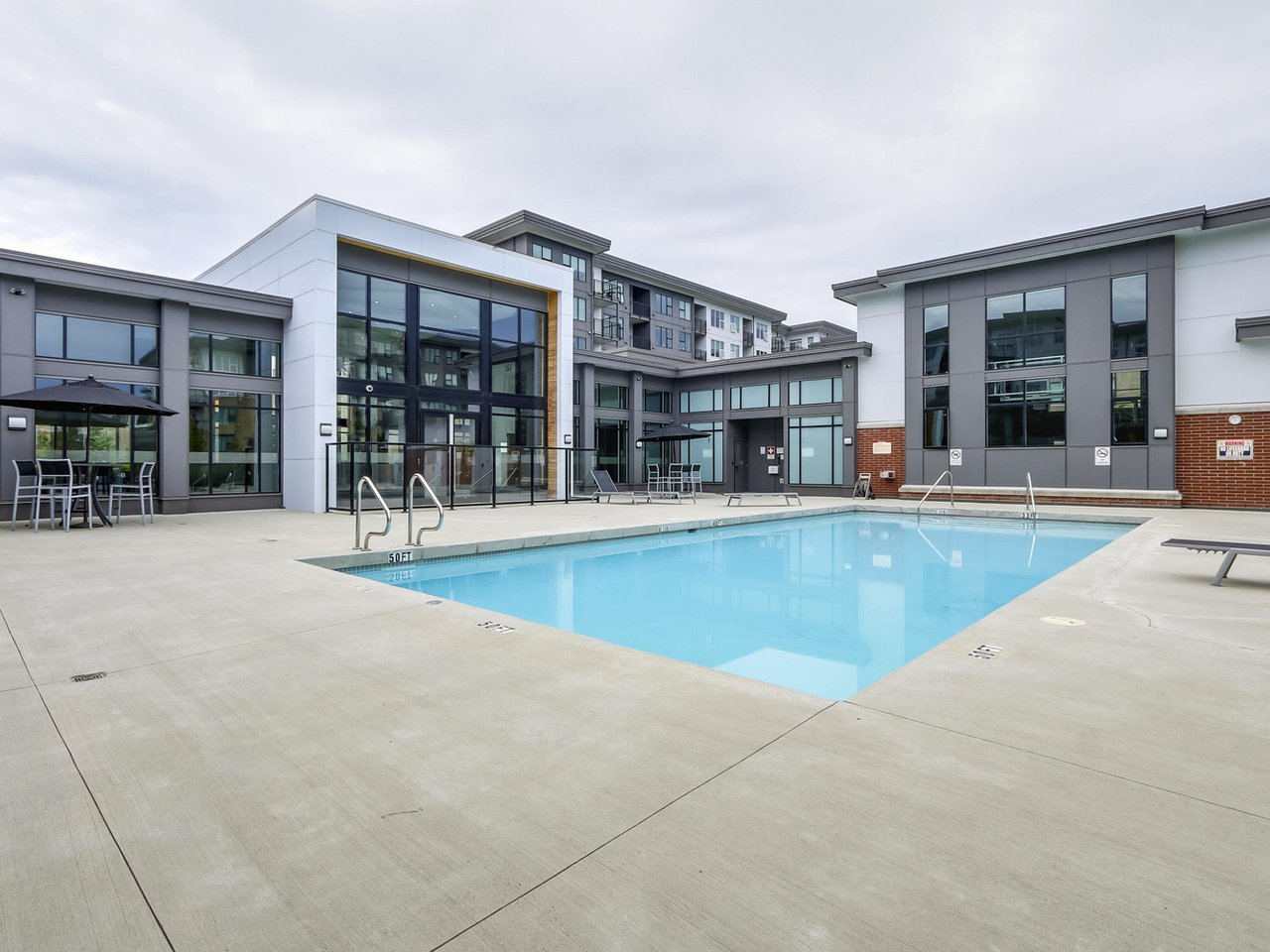 Building Amenity: Outdoor Pool - West Cambie - 9388 Tomicki Avenue, Richmond, BC, Canada