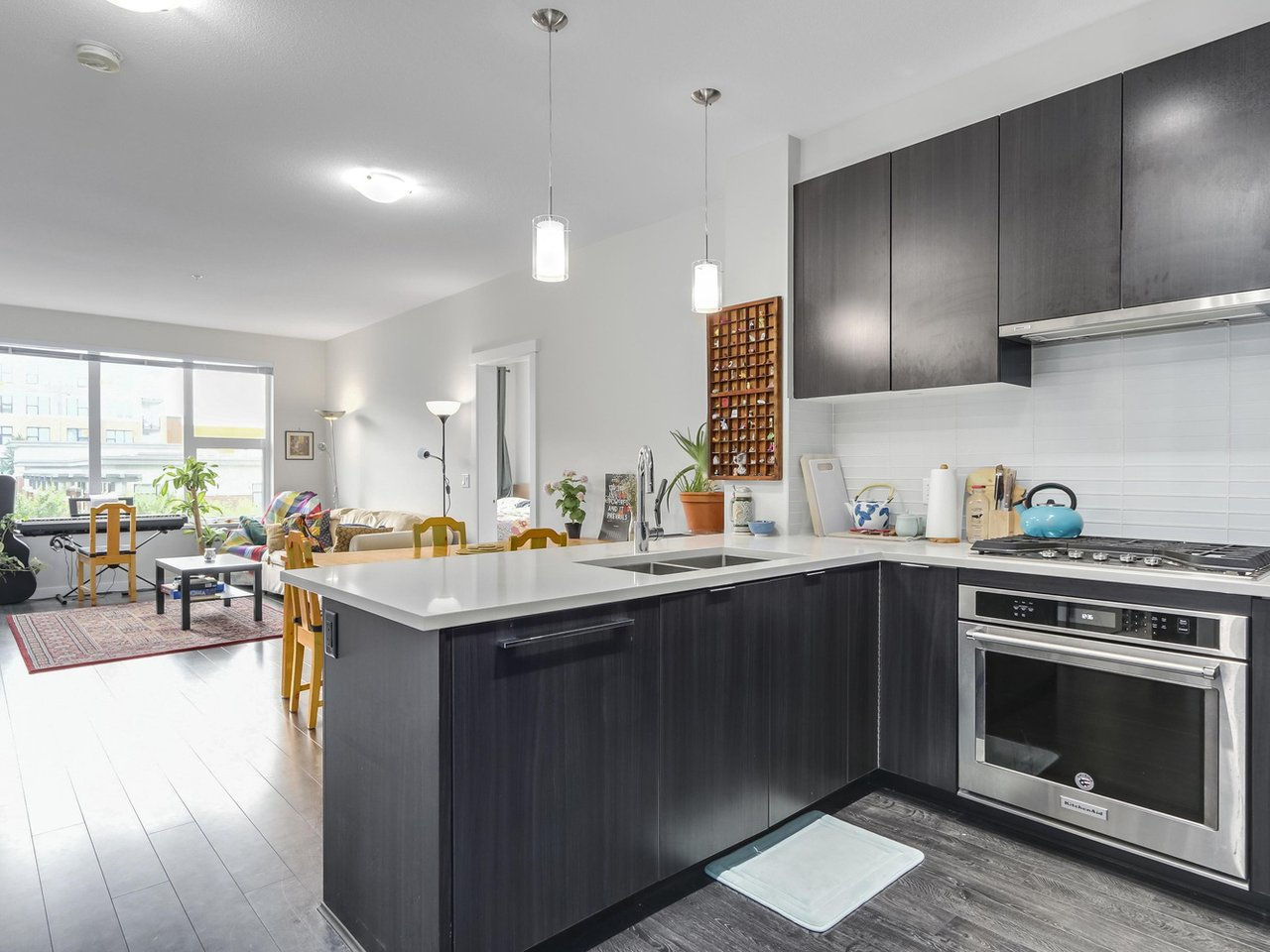 Kitchen - West Cambie - 9388 Tomicki Avenue, Richmond, BC, Canada