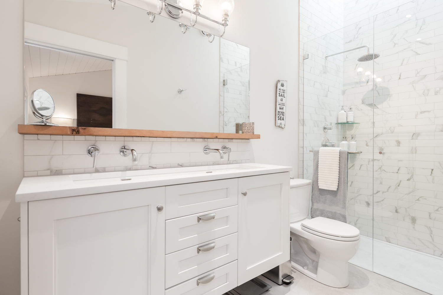 Master Ensuite - Kitsilano - 3696 West 2nd Avenue