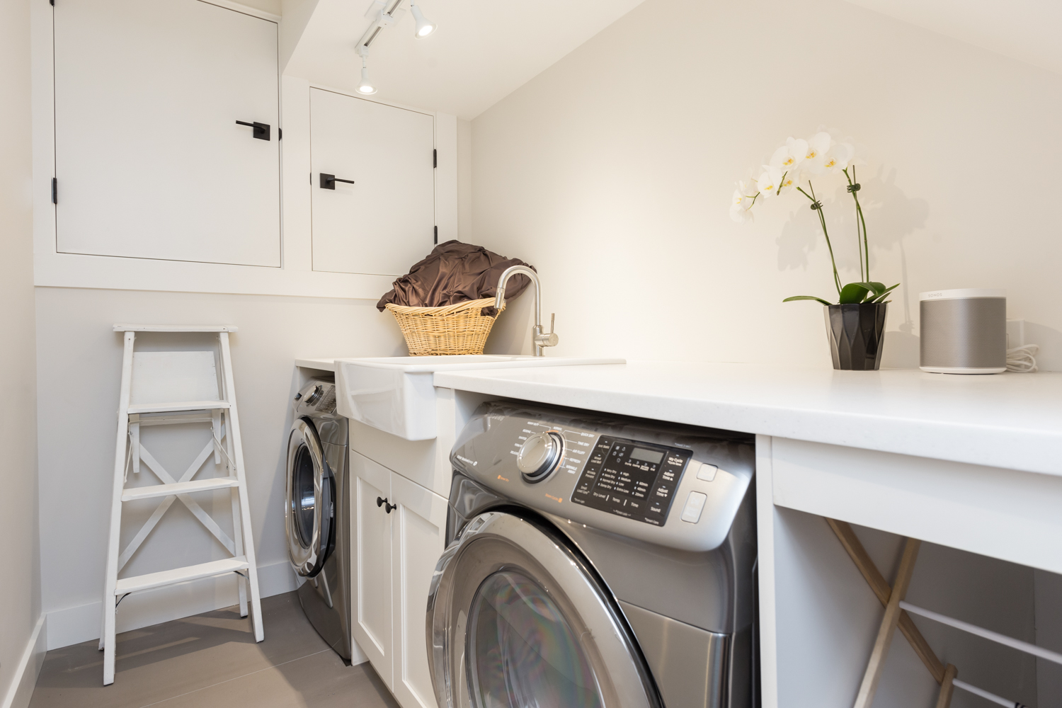 Laundry Room - Kitsilano - 3696 West 2nd Avenue