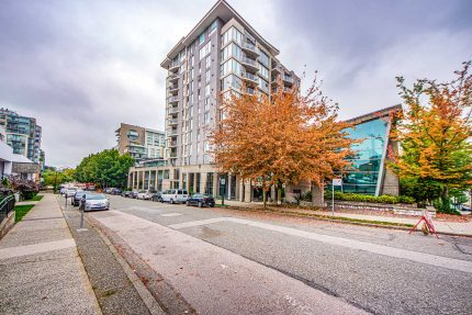 Apartment/Condo real estate for sale | 404 - 1633 West 8th Avenue - Fairview, Vancouver West
